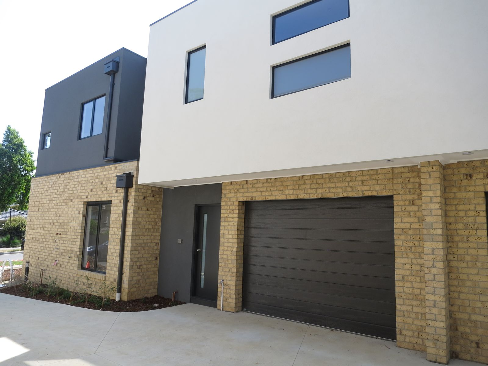 2 Aston Place, Bayswater, VIC 3153