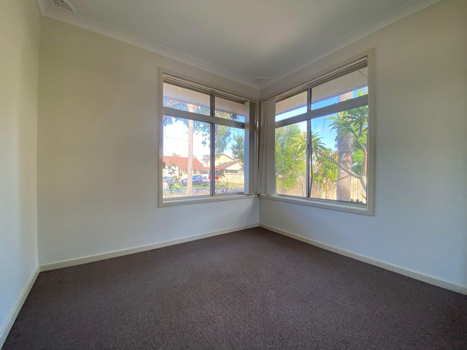 64 Dan Street, Campbelltown, NSW 2560