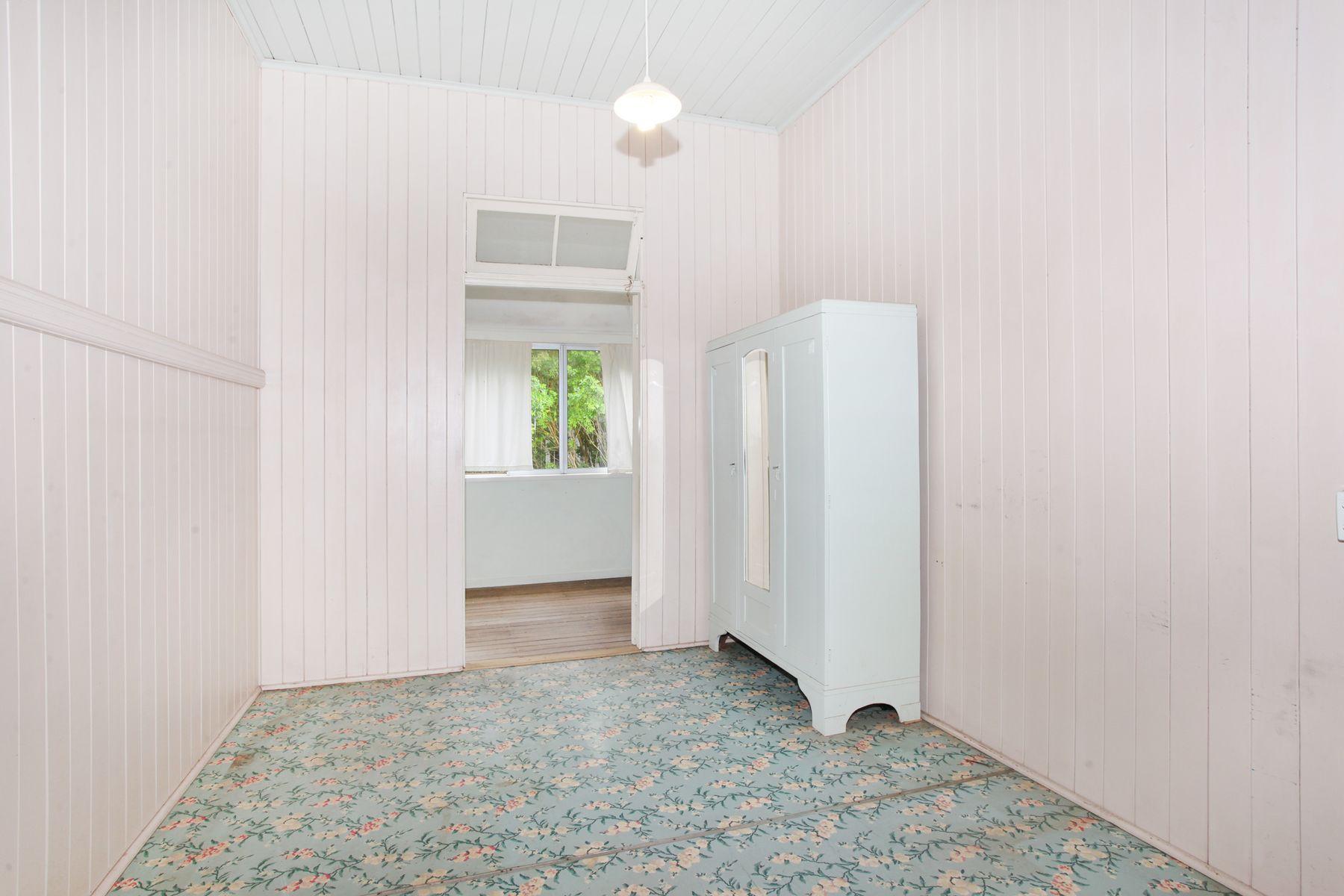 27 Vernon Street, Nambour, QLD 4560