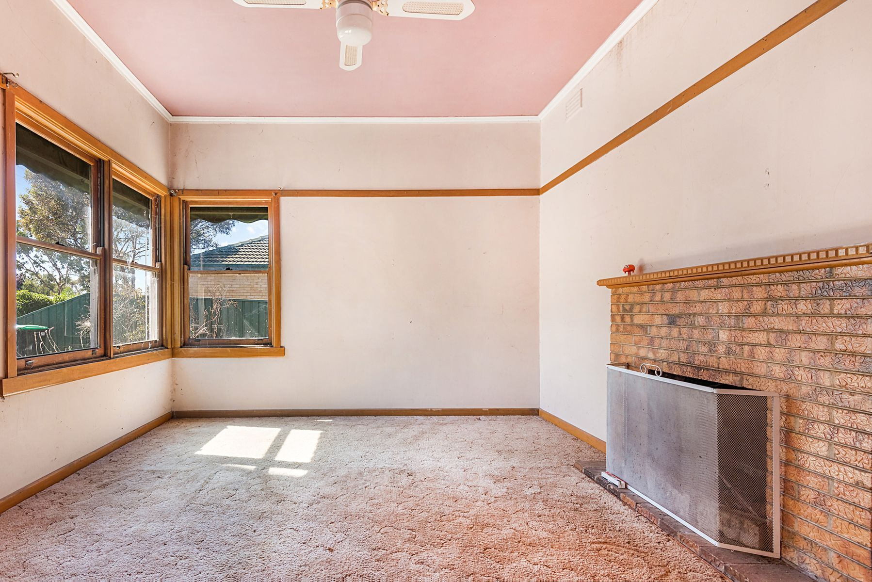 4 Neil Street, Kangaroo Flat, VIC 3555