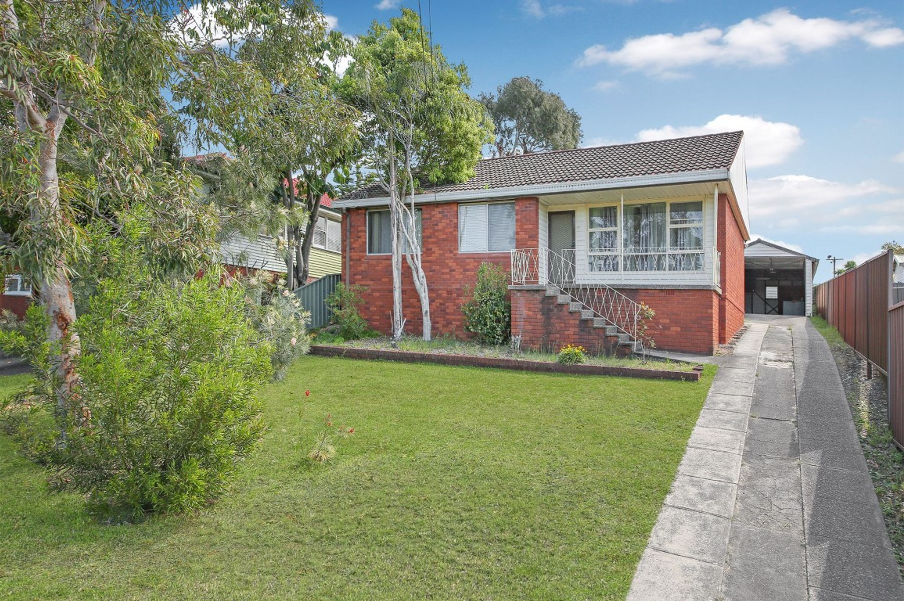 12 Graham Place, Picnic Point, NSW 2213