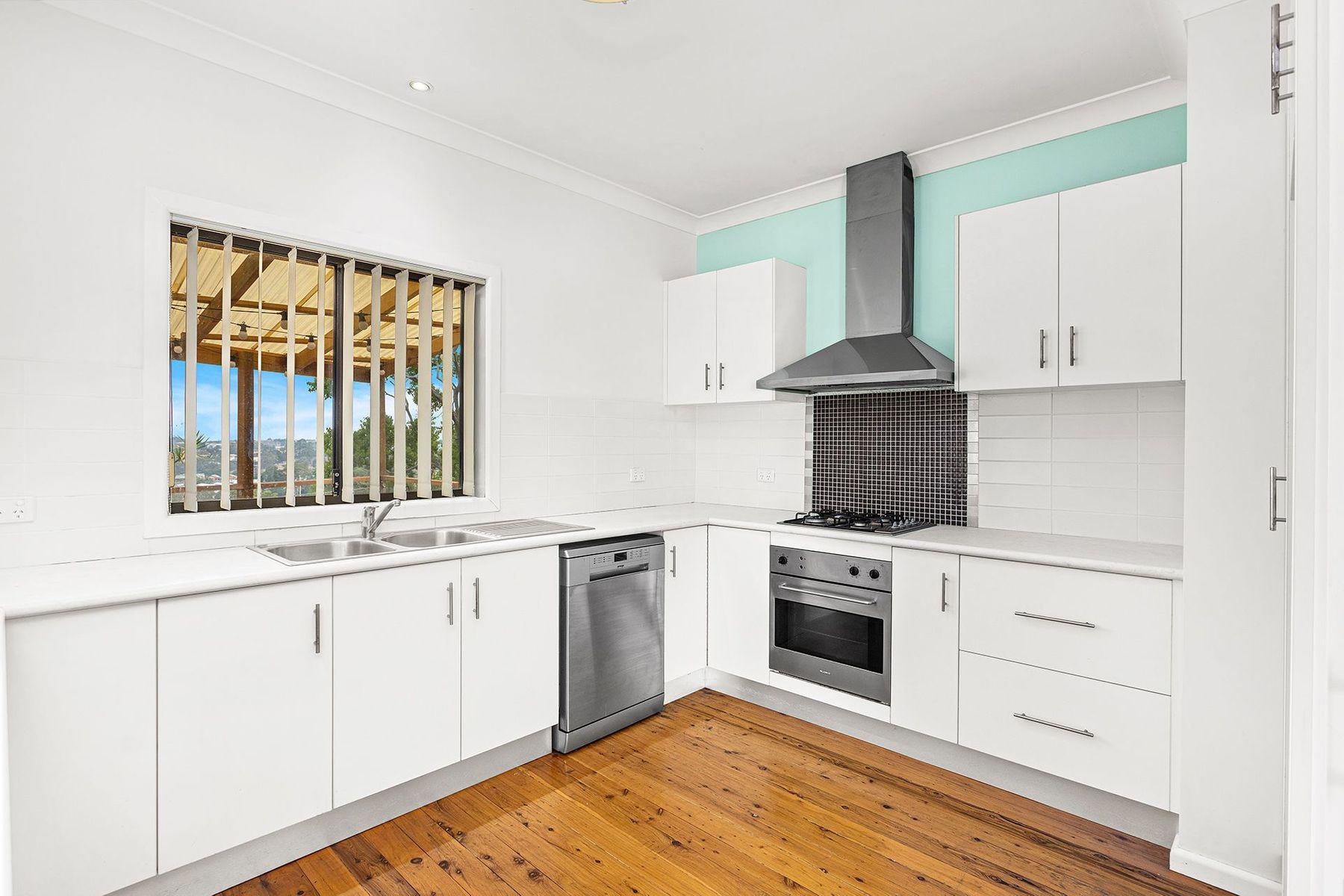 39 Beverley Avenue, Unanderra, NSW 2526