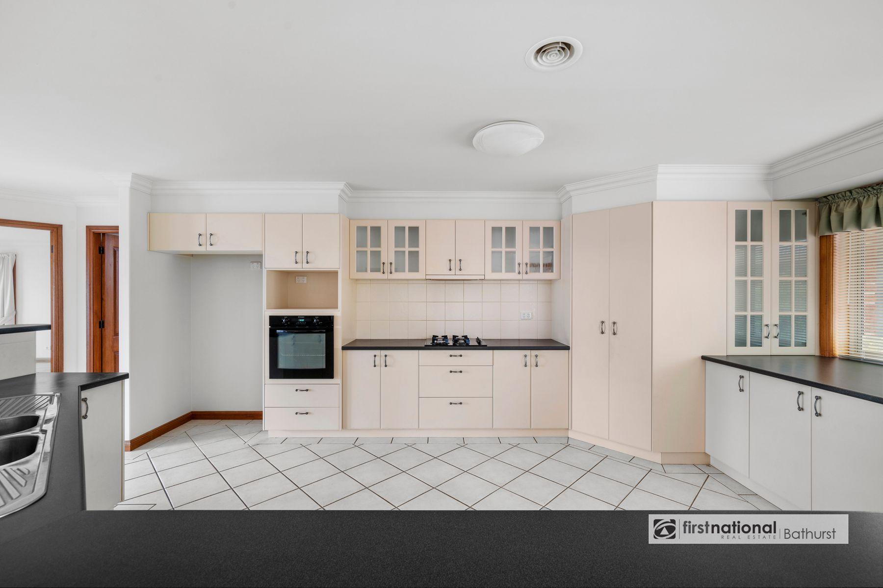 34 Jagoe Drive, Kelso, NSW 2795