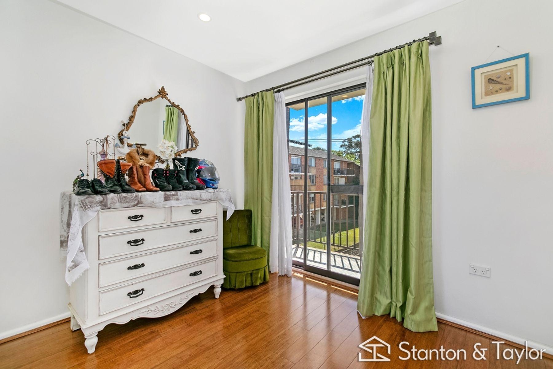 2/191 Derby Street, Penrith, NSW 2750