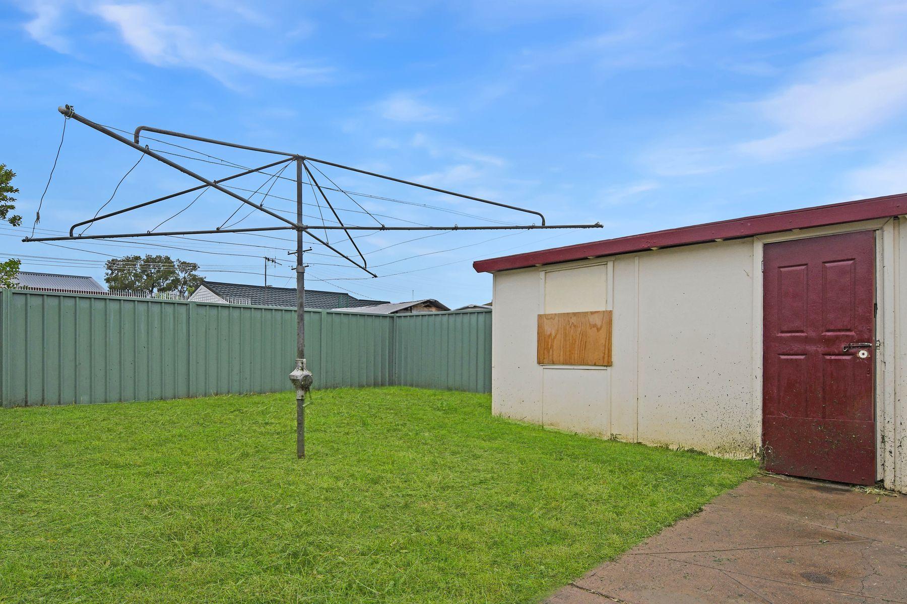 18 Pacific Way, West Bathurst, NSW 2795