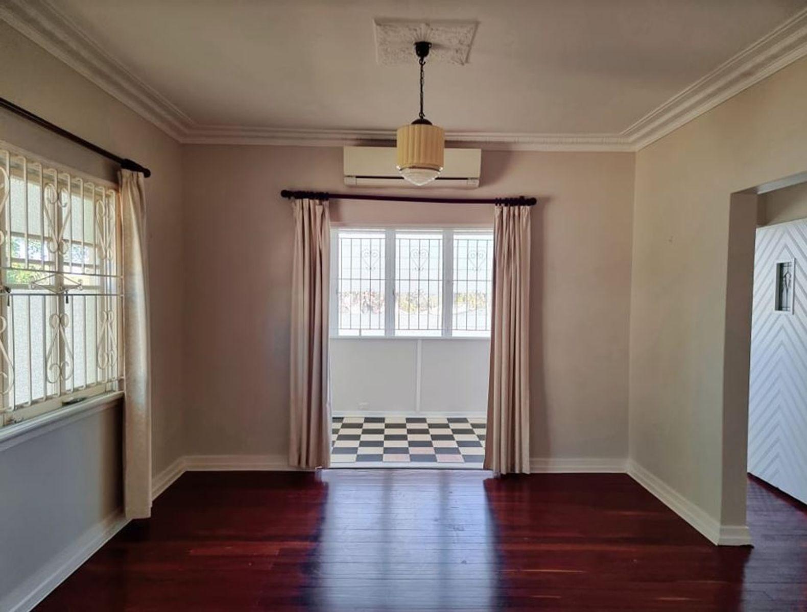 10 Lloyd George Street, Eastern Heights, QLD 4305