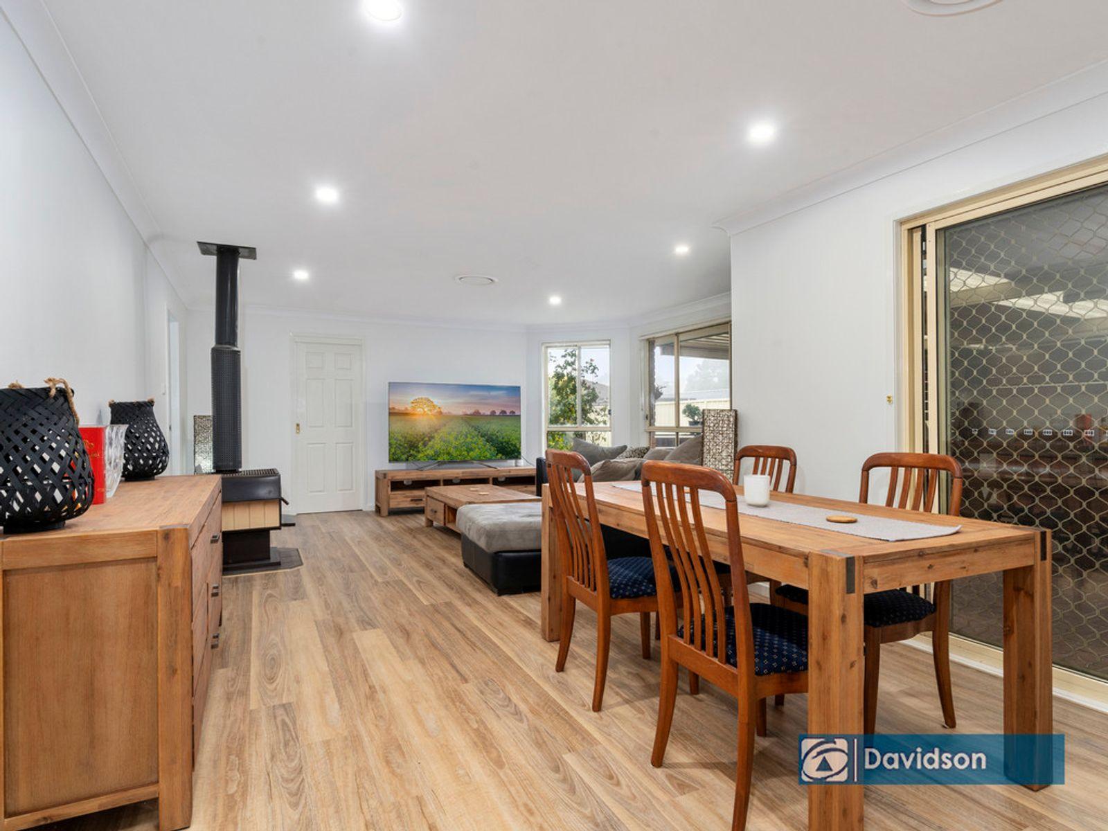 2 Kinross Court, Wattle Grove, NSW 2173