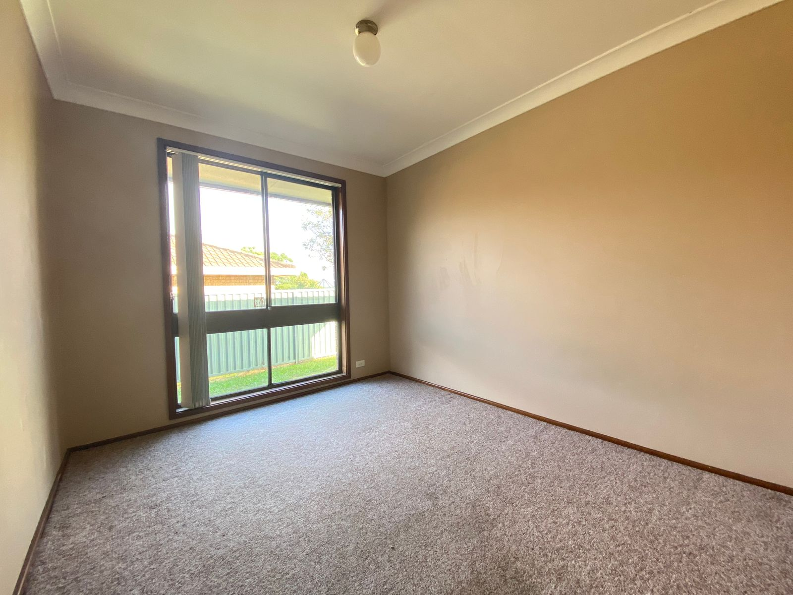 2/24 North Steyne Road, Woodbine, NSW 2560