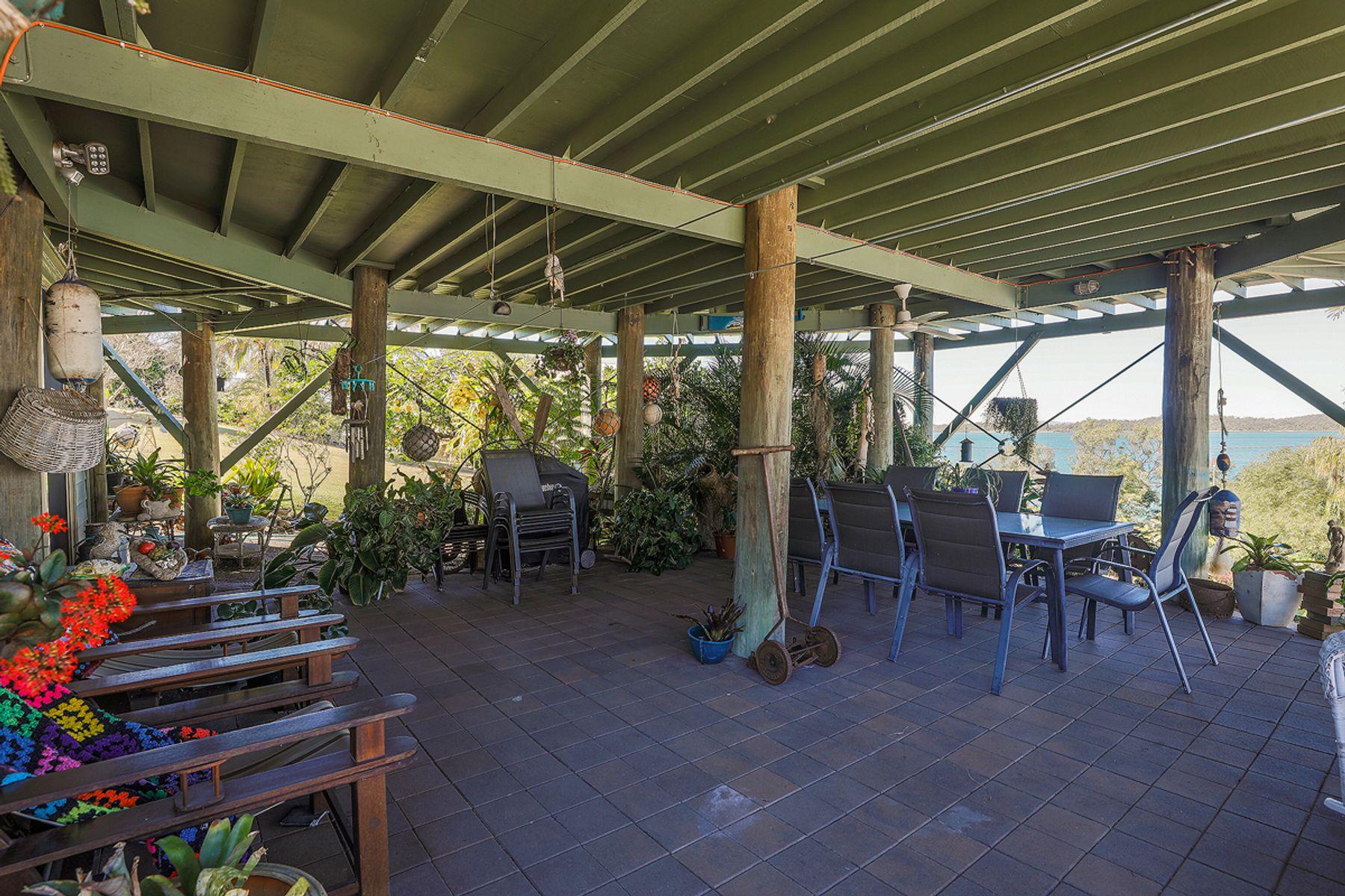 18 Ferries Terrace, Sarina Beach, QLD 4737