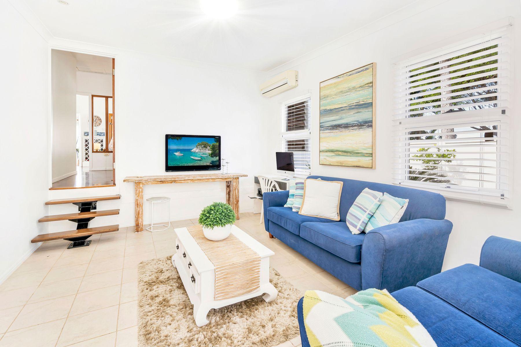 8 Elizabeth Street, Flying Fish Point, QLD 4860