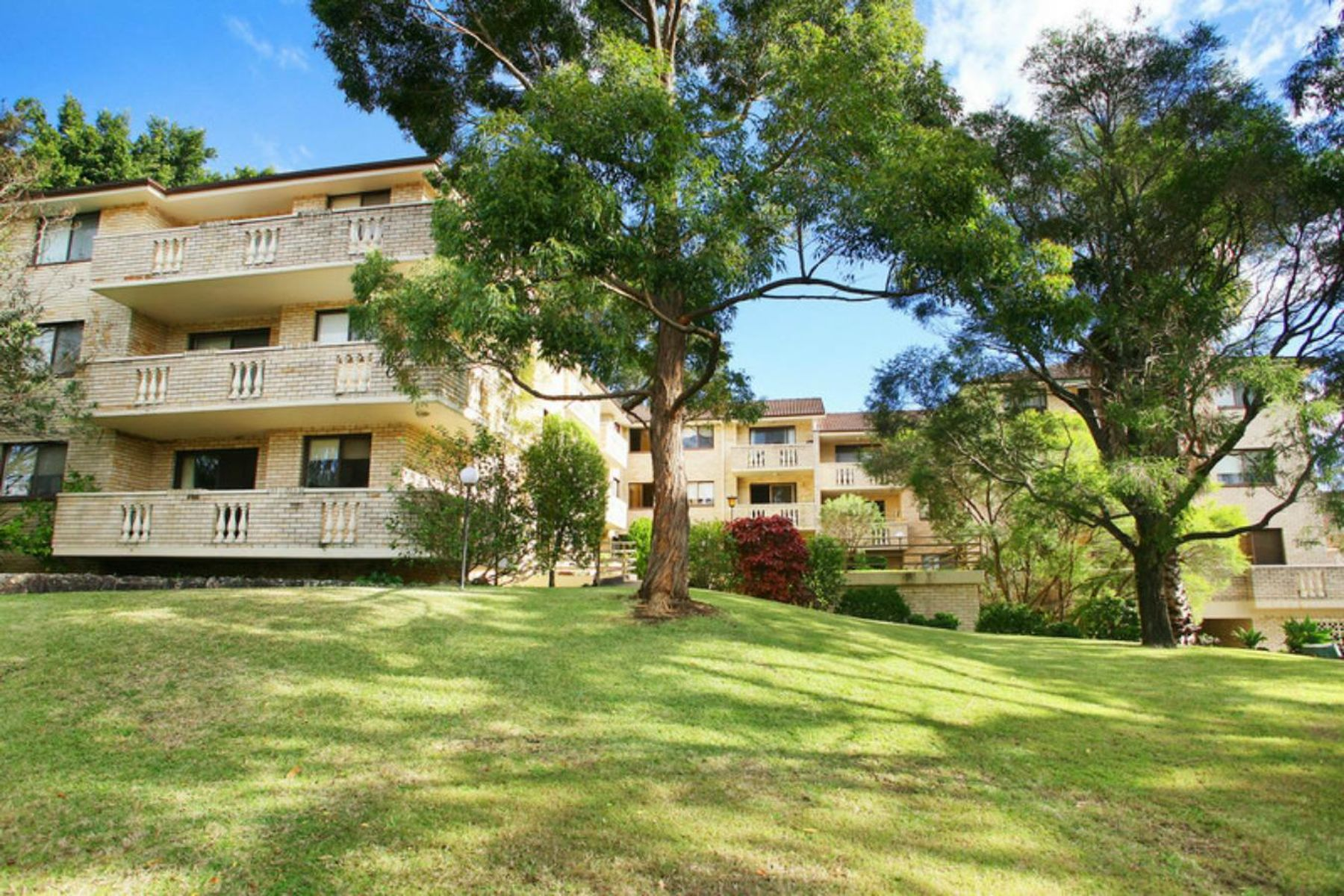 8/17 Sherbrook Road, Hornsby, NSW 2077