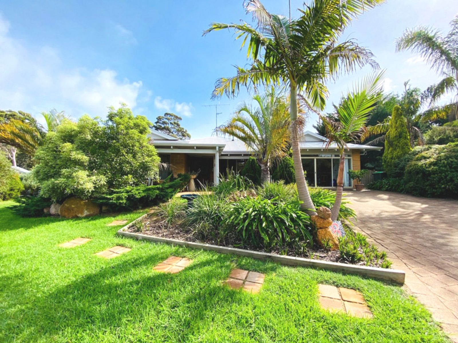 8 Edward Place, Margaret River, WA 6285
