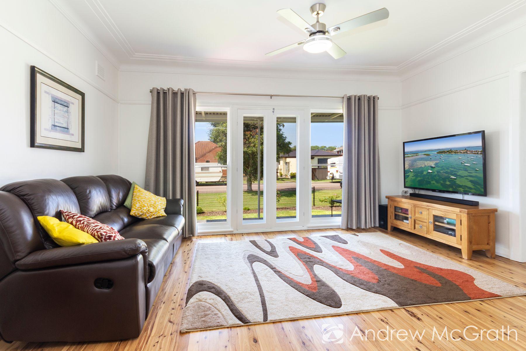 50 Docker Street, Marks Point, NSW 2280
