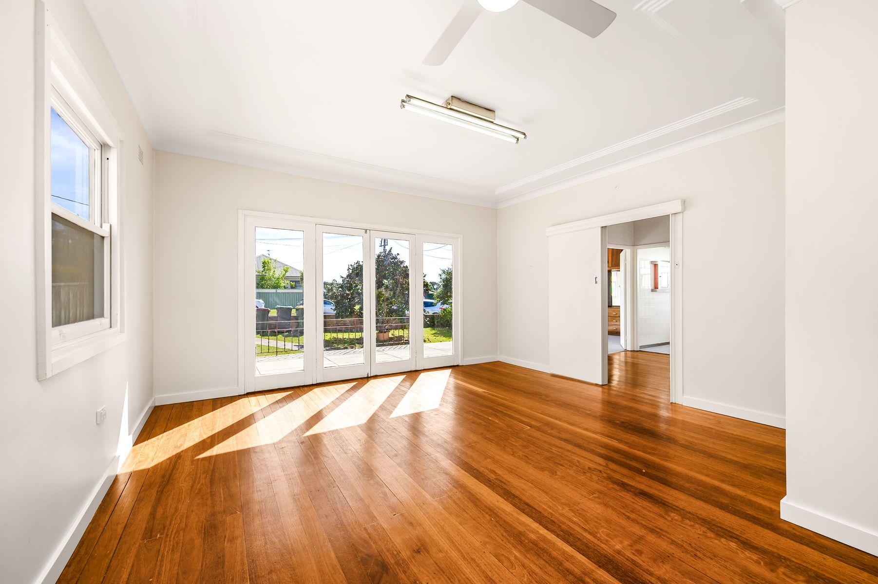 17 Crest Road, Wallsend, NSW 2287