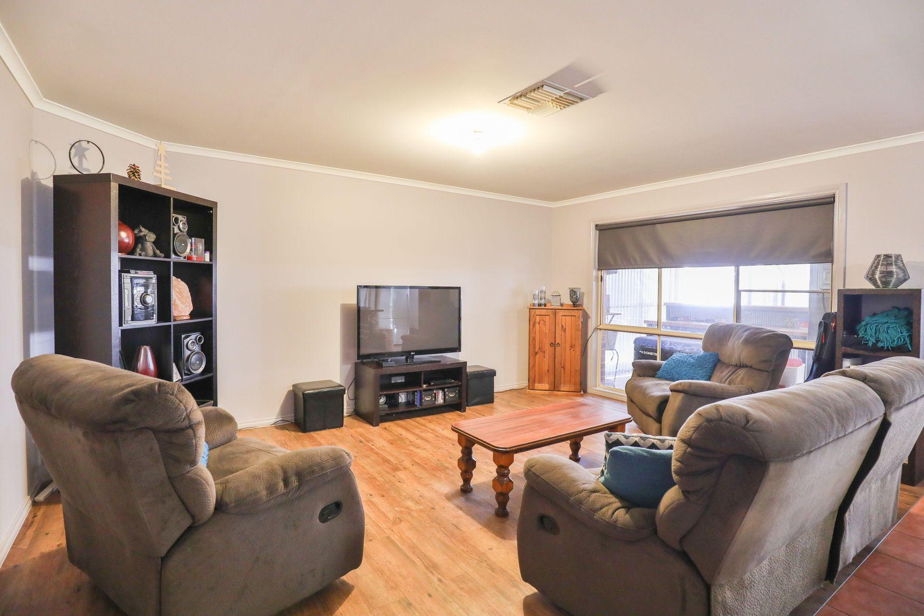 11 Sterling Drive, Mildura, VIC 3500