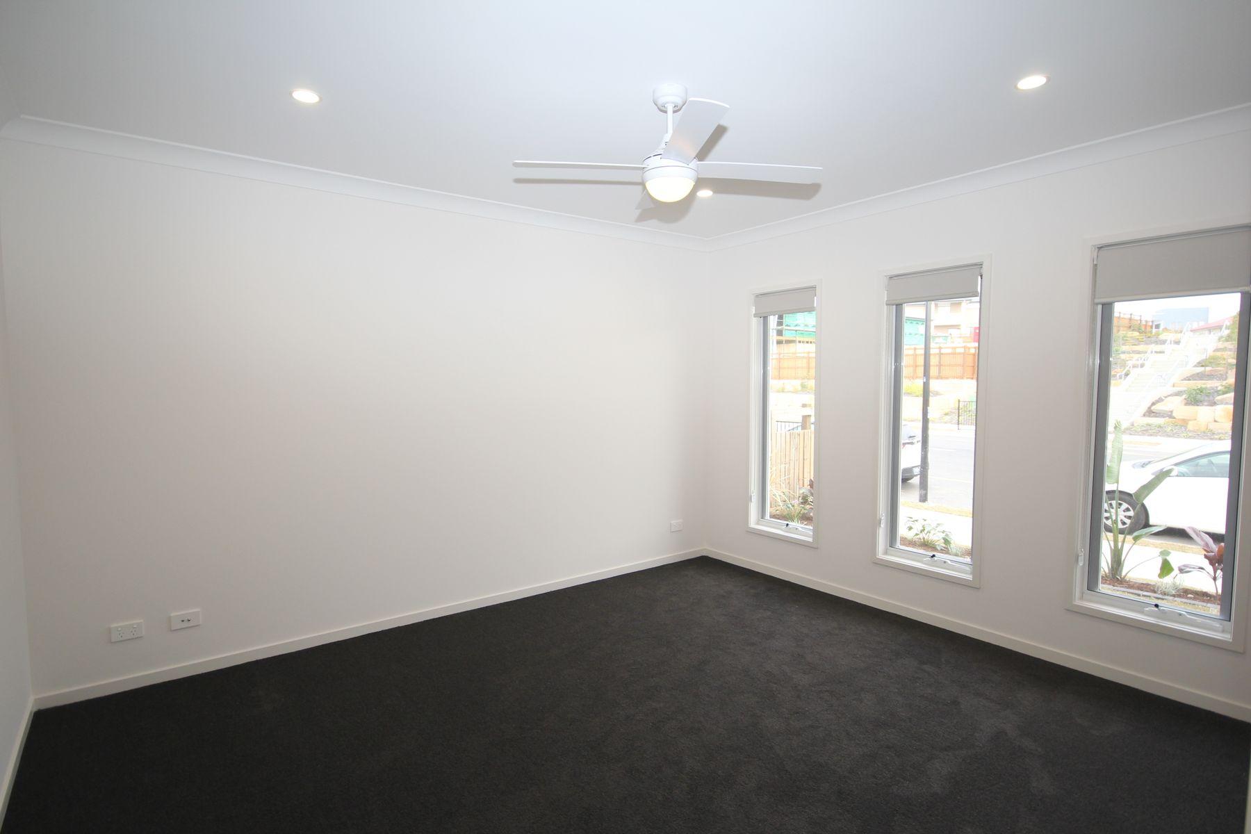 335 Lakeside Avenue, Springfield Lakes, QLD 4300