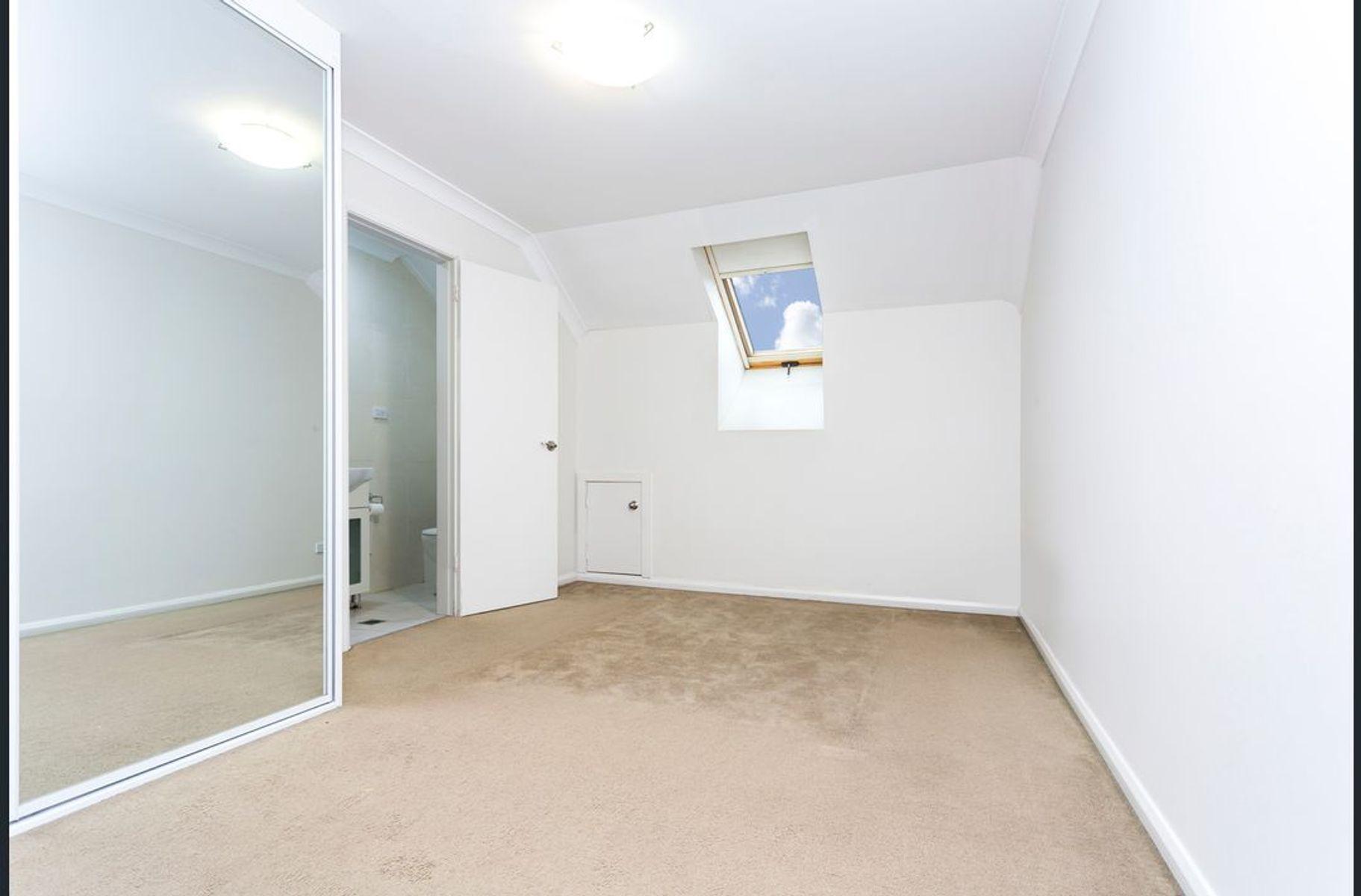 12/16 Boronia Road, Greenacre, NSW 2190