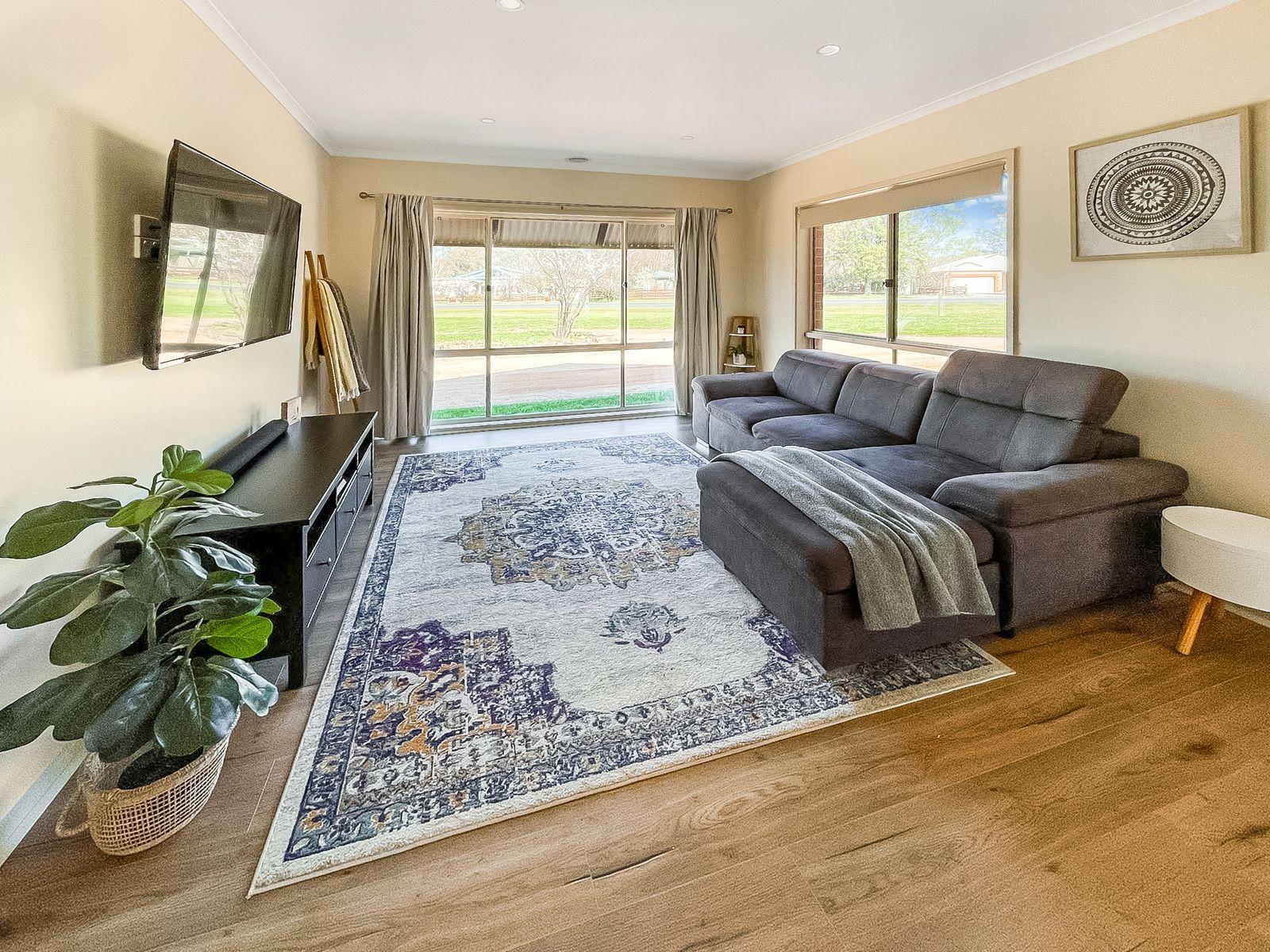 1 Cooper Grove, Strathfieldsaye, VIC 3551