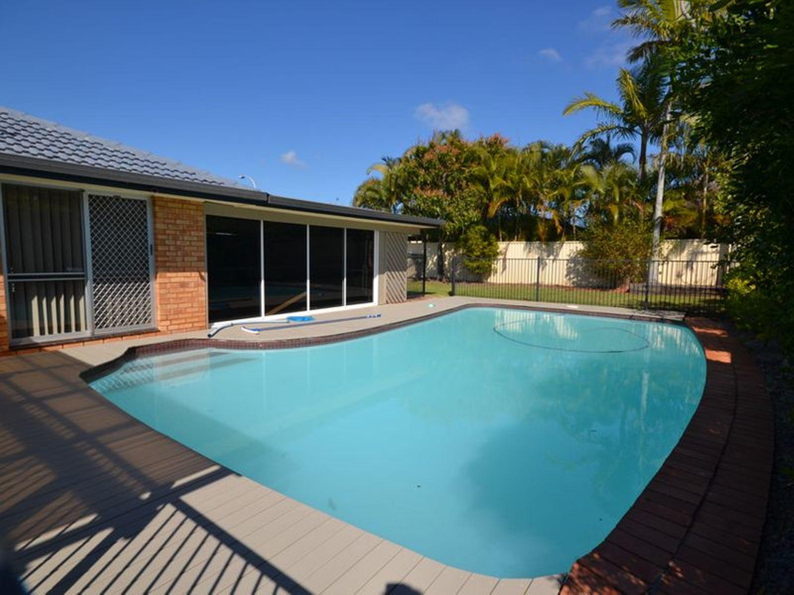 1 McCleary Street, Bundall, QLD 4217