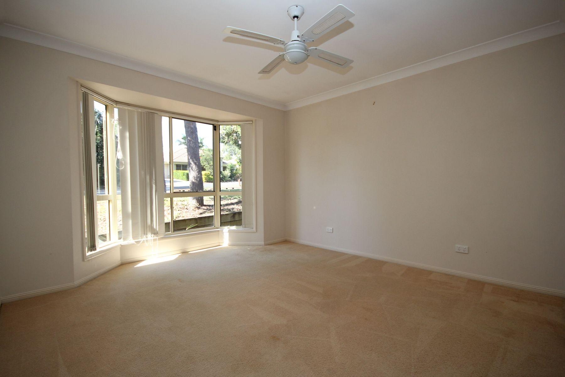 5 Booloumba Crescent, Forest Lake, QLD 4078