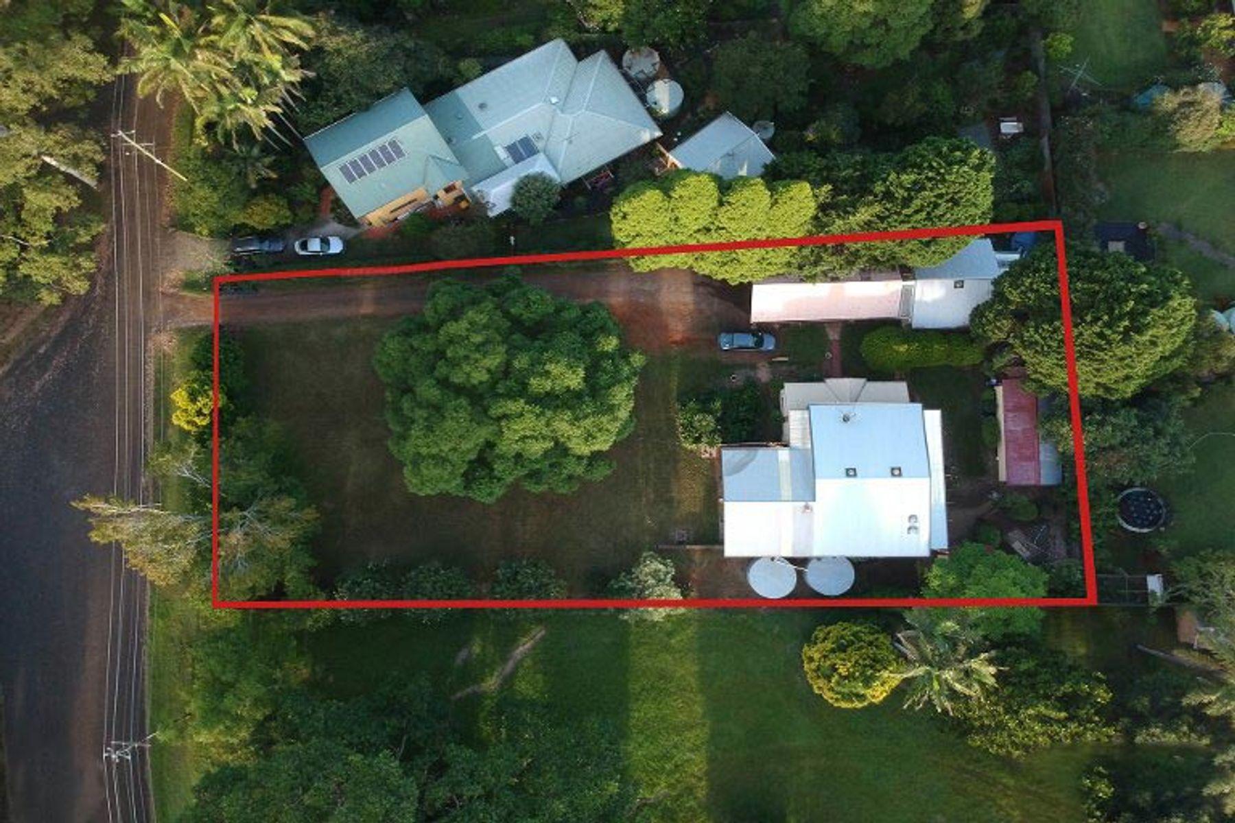 18-20 Geissmann Street, Tamborine Mountain, QLD 4272