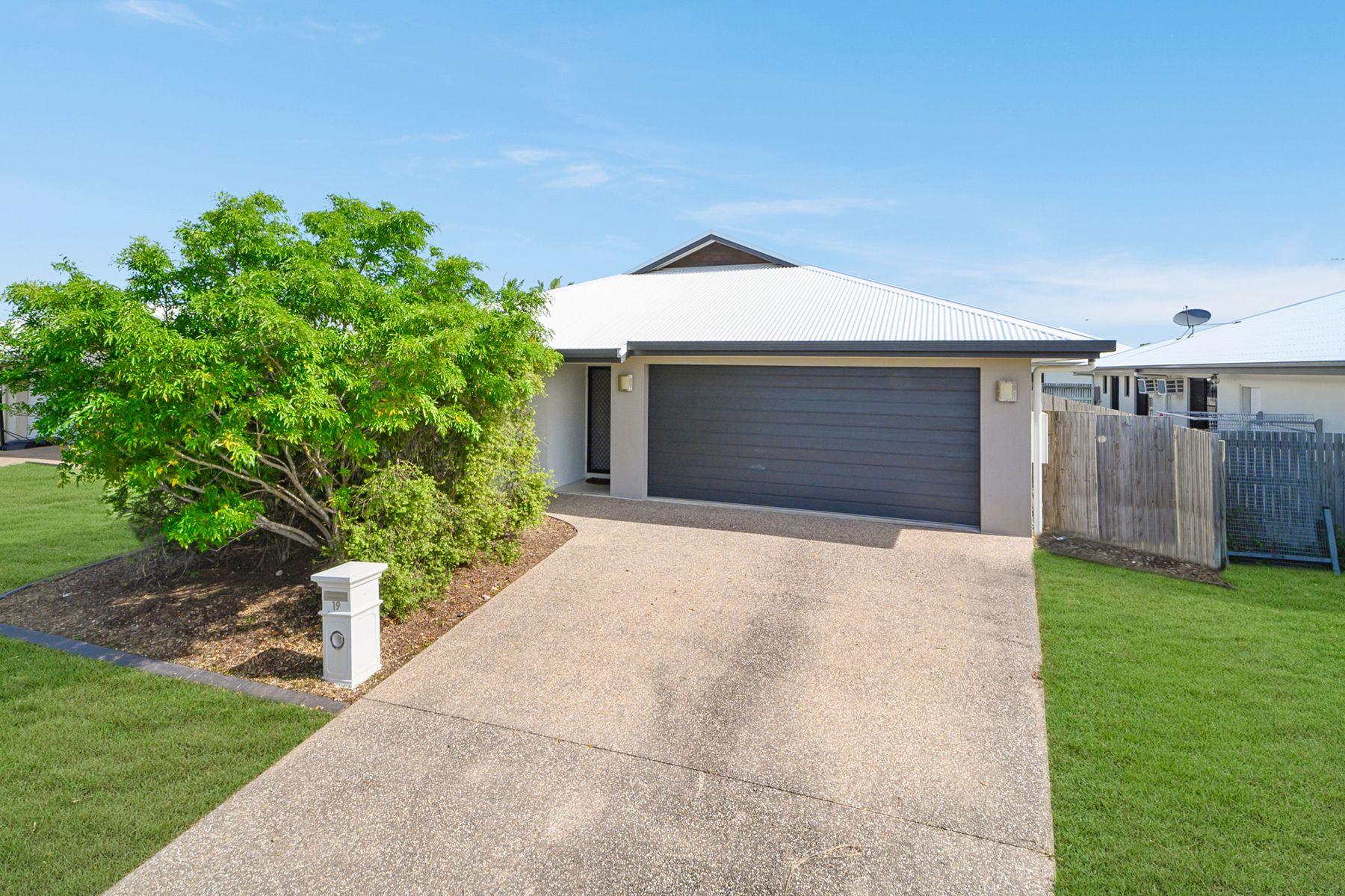 19 Lanikai Place, Mount Low, QLD 4818