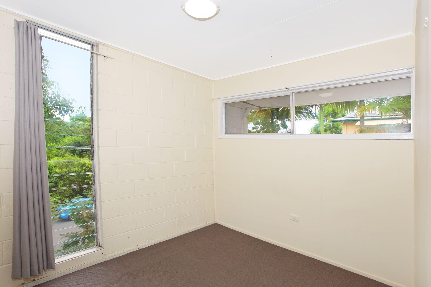 4 Bradley Street, Nambour, QLD 4560