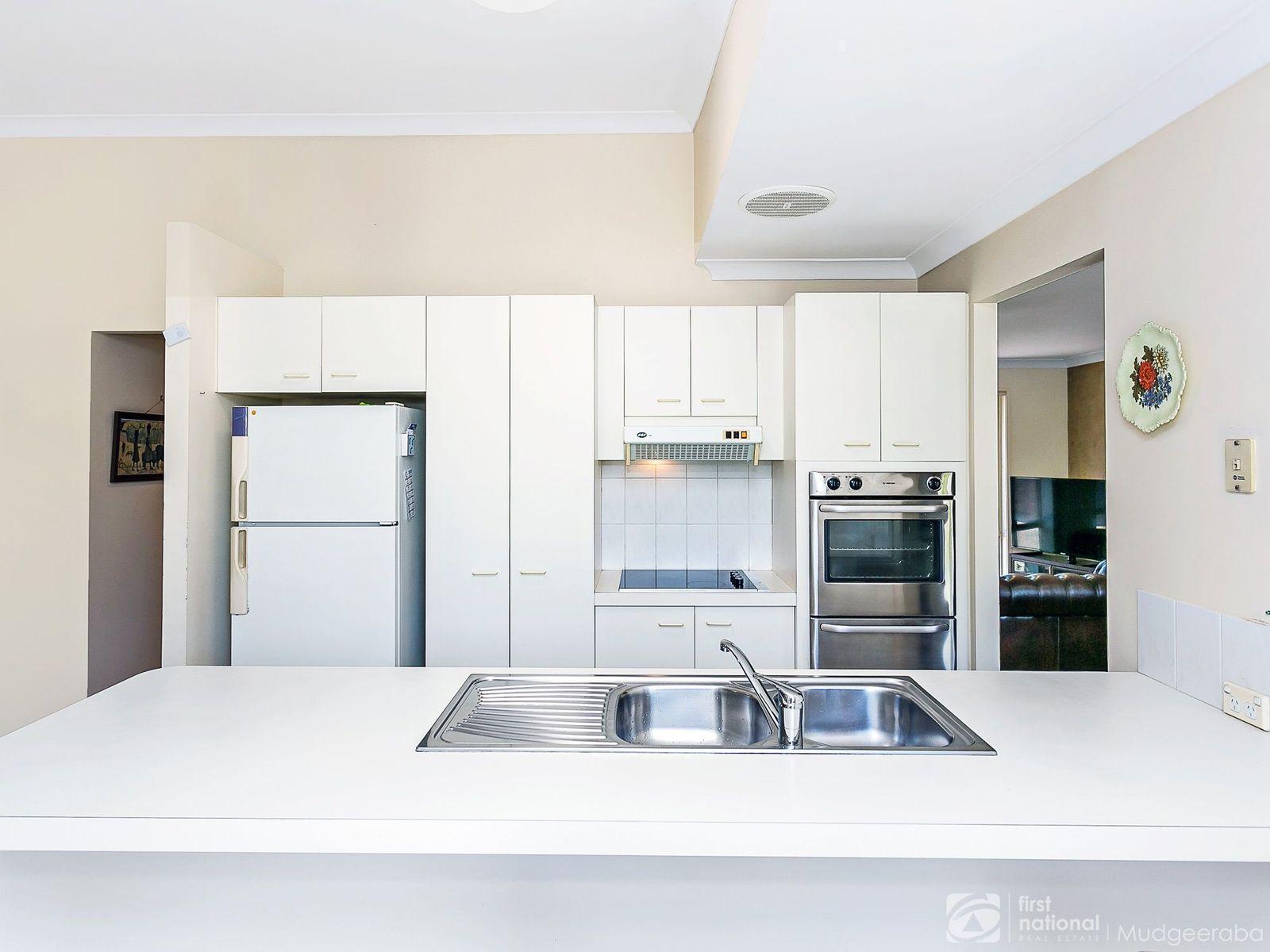 28 Frankston Court, Robina, QLD 4226