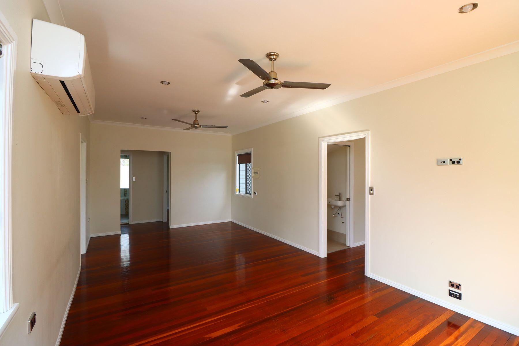 15  Pine Street, Torquay, QLD 4655
