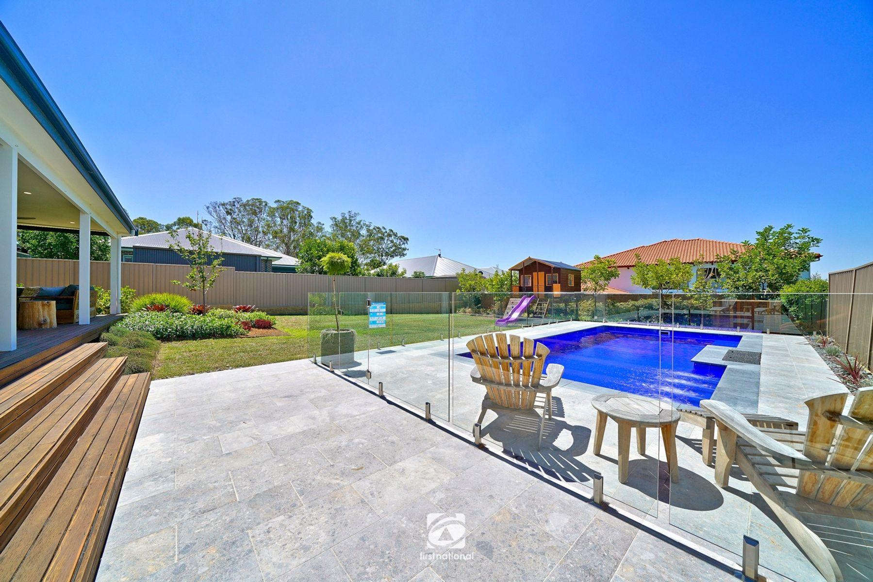 8  Castlemaine cct, Harrington Park, NSW 2567