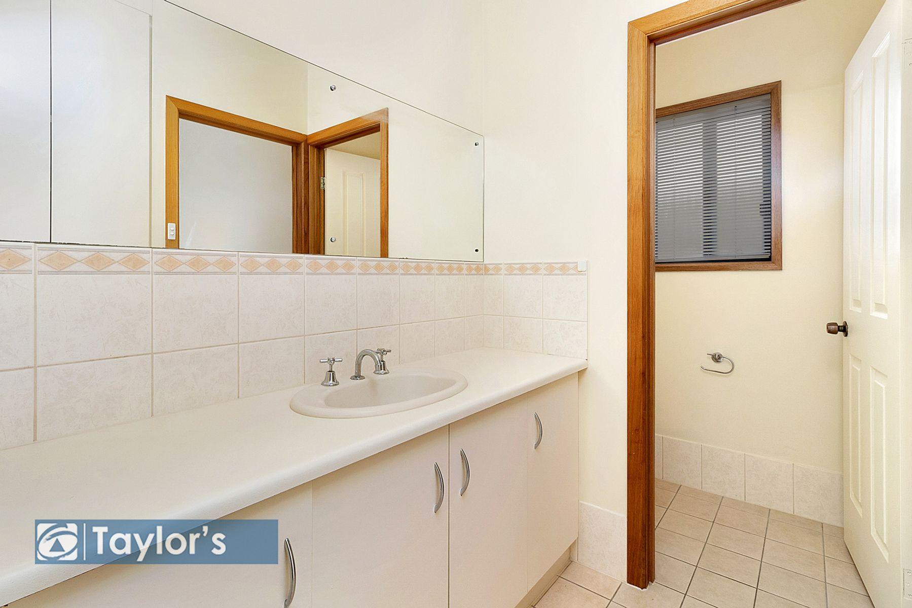 15 Avocet Drive, Mawson Lakes, SA 5095