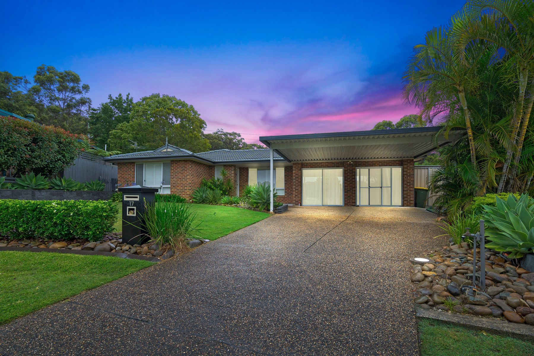 17 Nicole Close, Whitebridge, NSW 2290