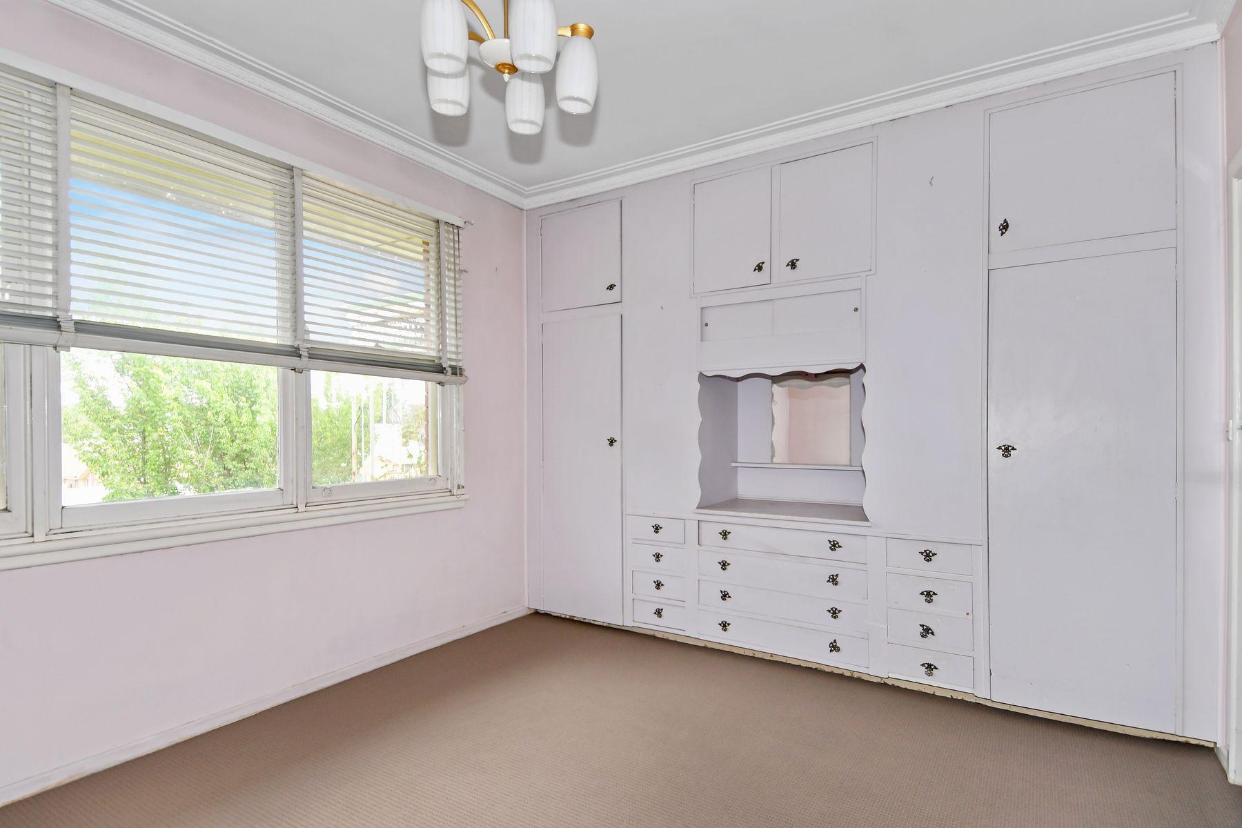 351 Stewart Street, Bathurst, NSW 2795