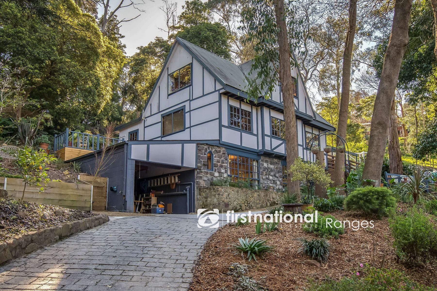 11 Torry Hill Road, Upwey, VIC 3158