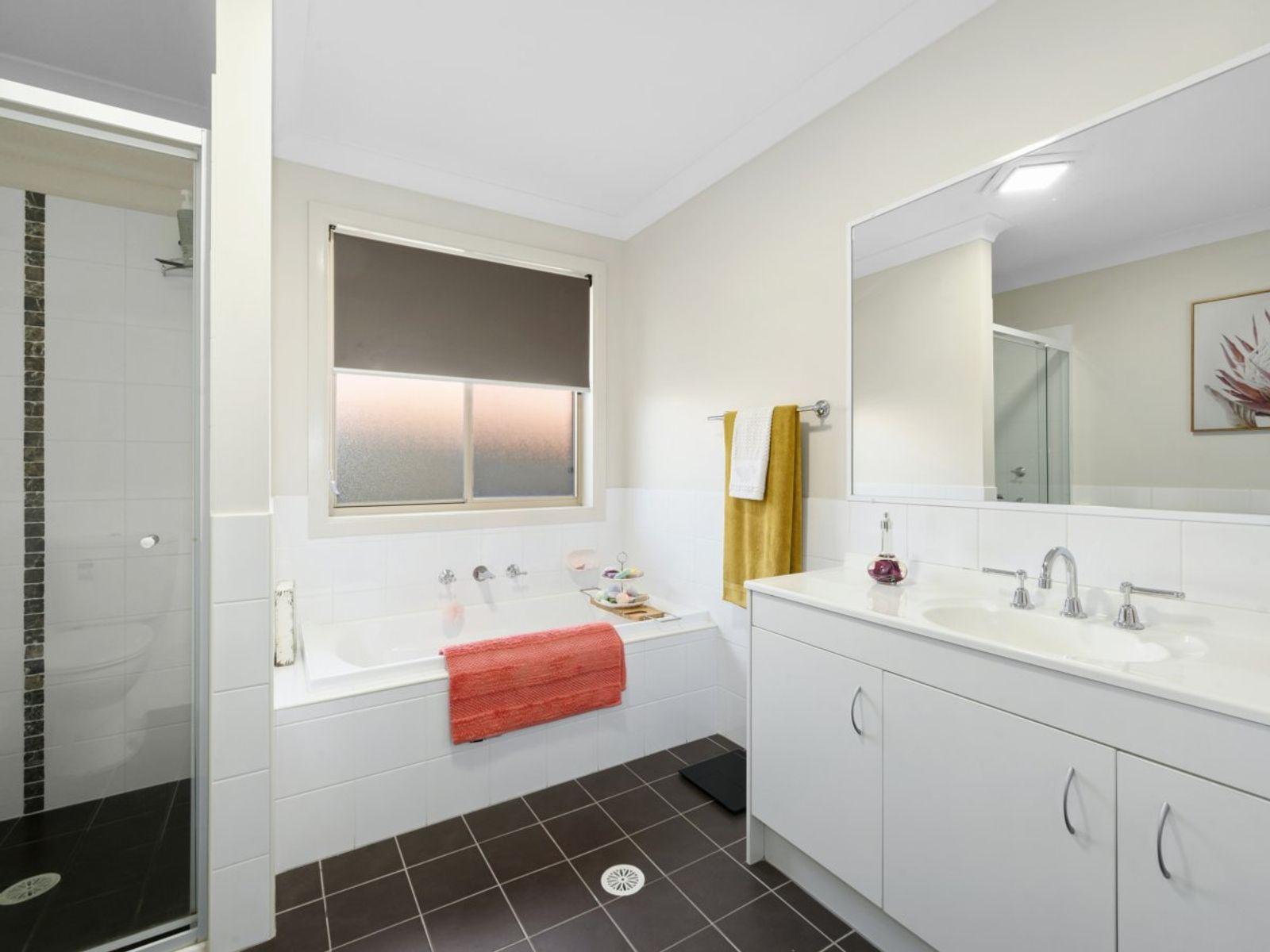 4 Evelyn Close, Hamlyn Terrace, NSW 2259