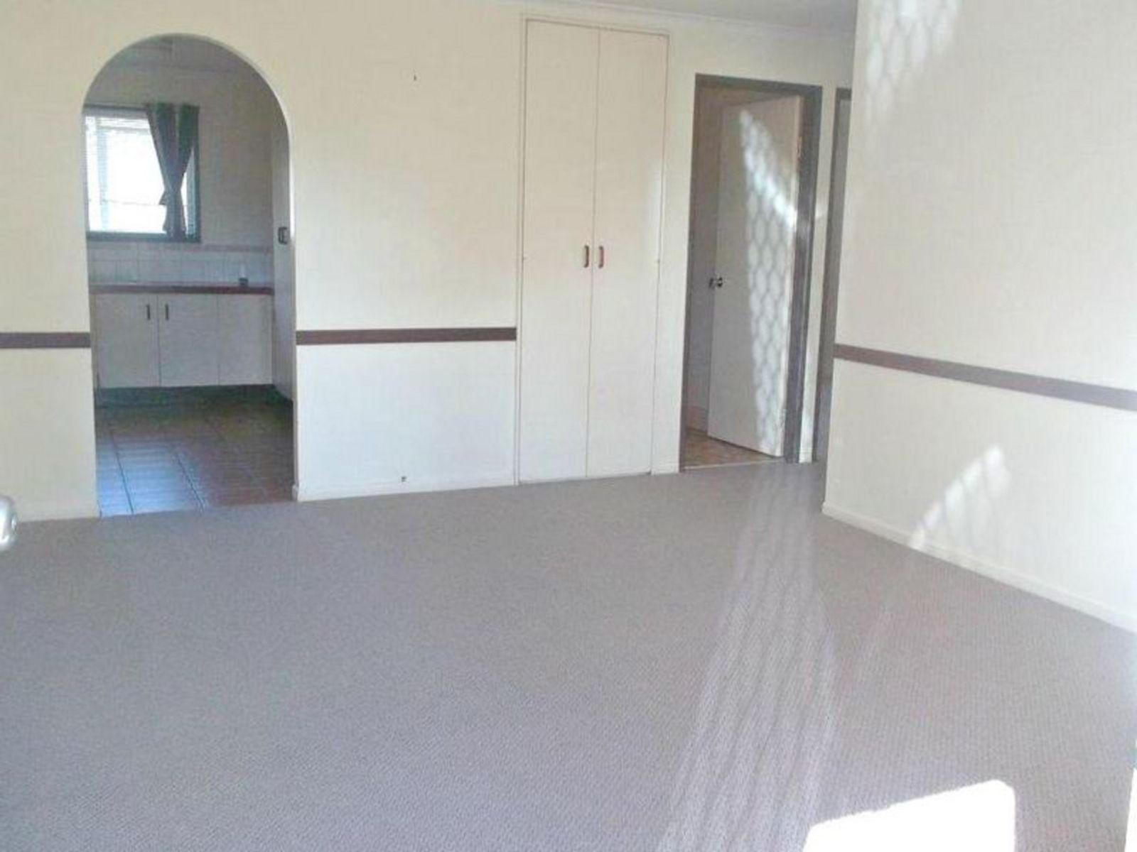 2/1 Sapphire Court, Kearneys Spring, QLD 4350