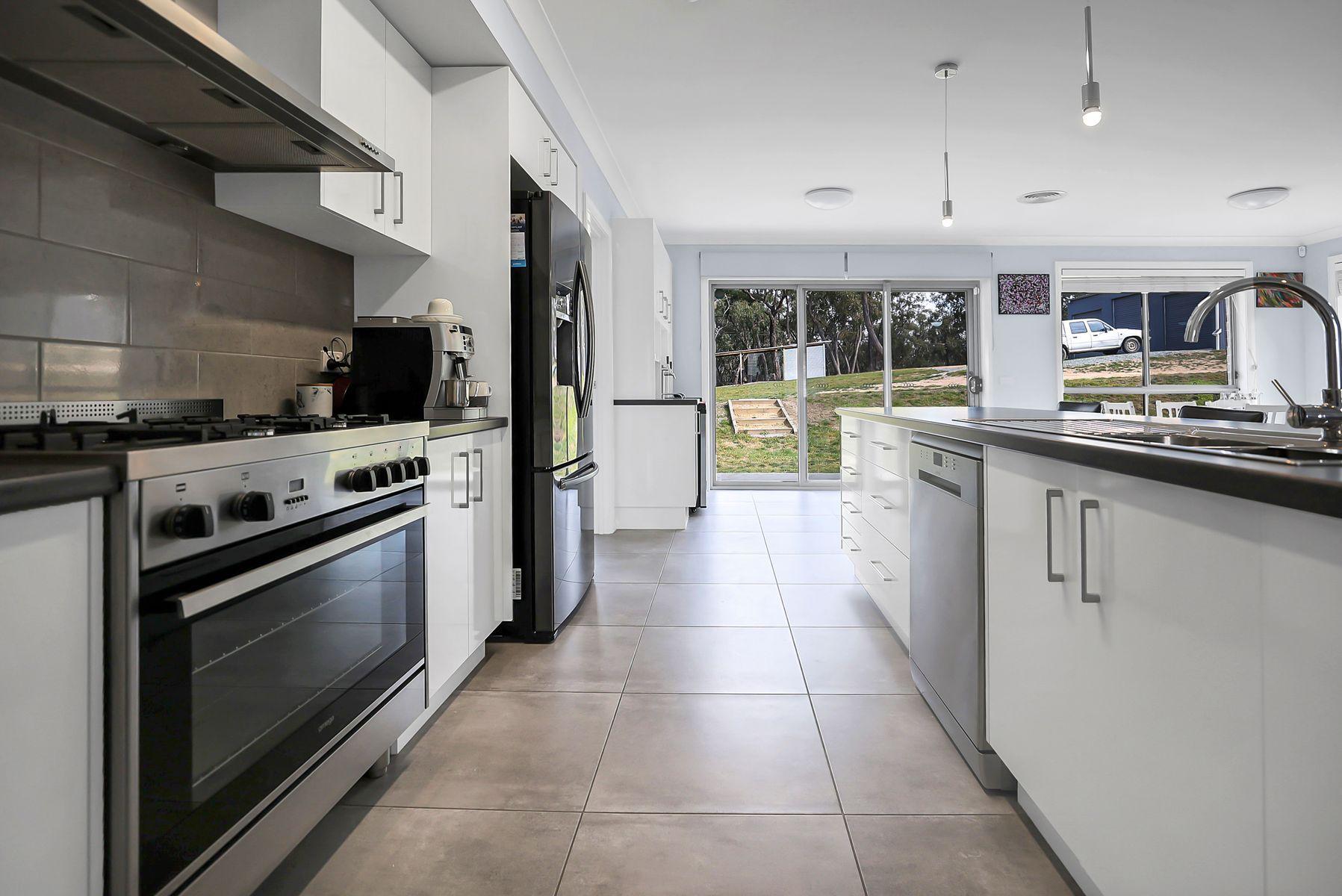 82  Mount Haven Way, Meadow Flat, NSW 2795