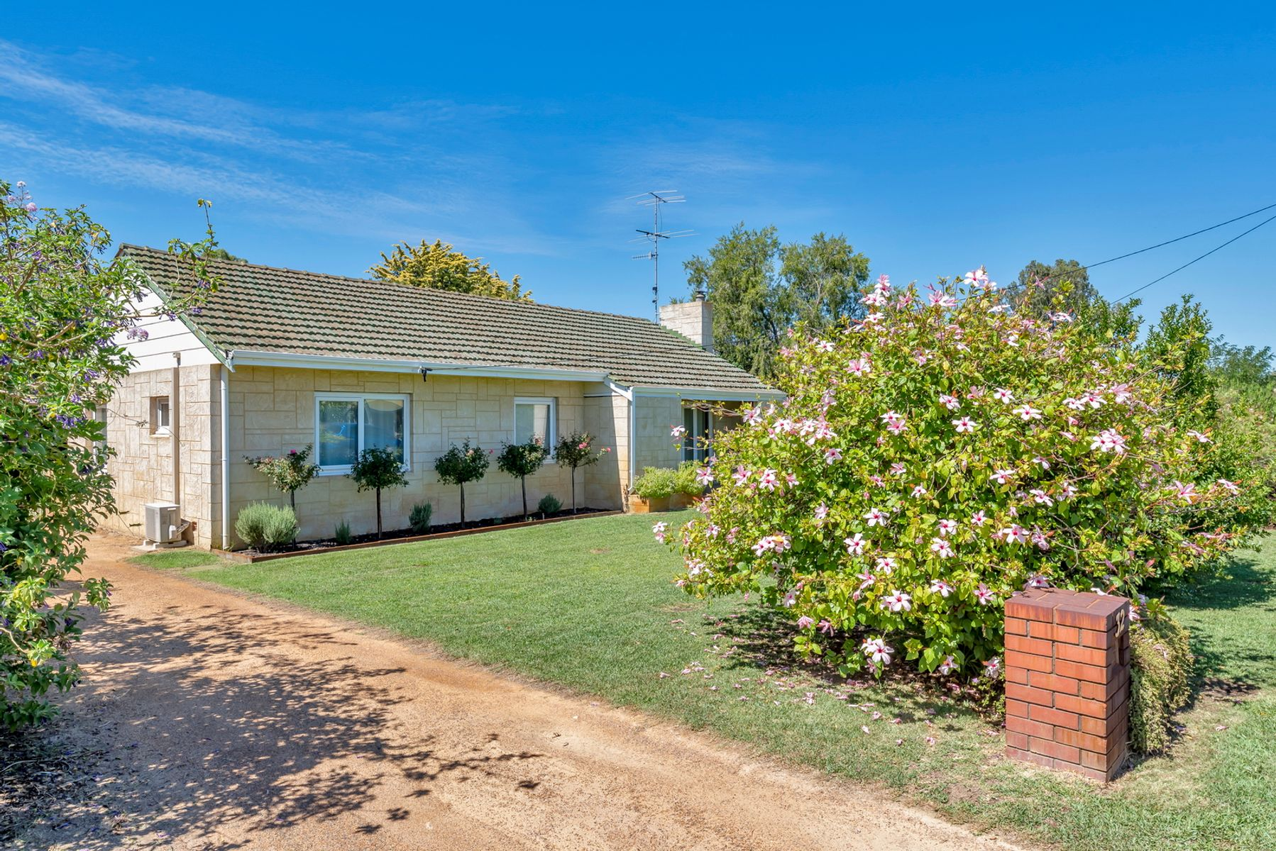 32 McLarty Road, Pinjarra, WA 6208