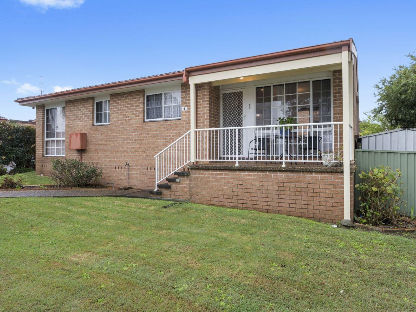1/1 Dan Close, Gorokan, NSW 2263