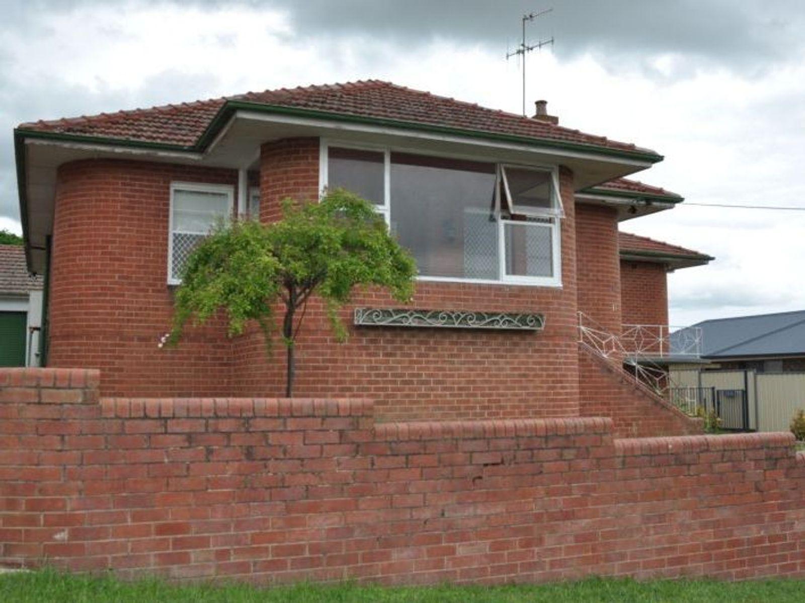 11 Blandford Street, Bathurst, NSW 2795
