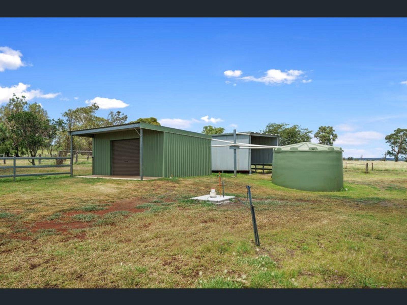 34 Gowrie Mountain School Road, Kingsthorpe, QLD 4400
