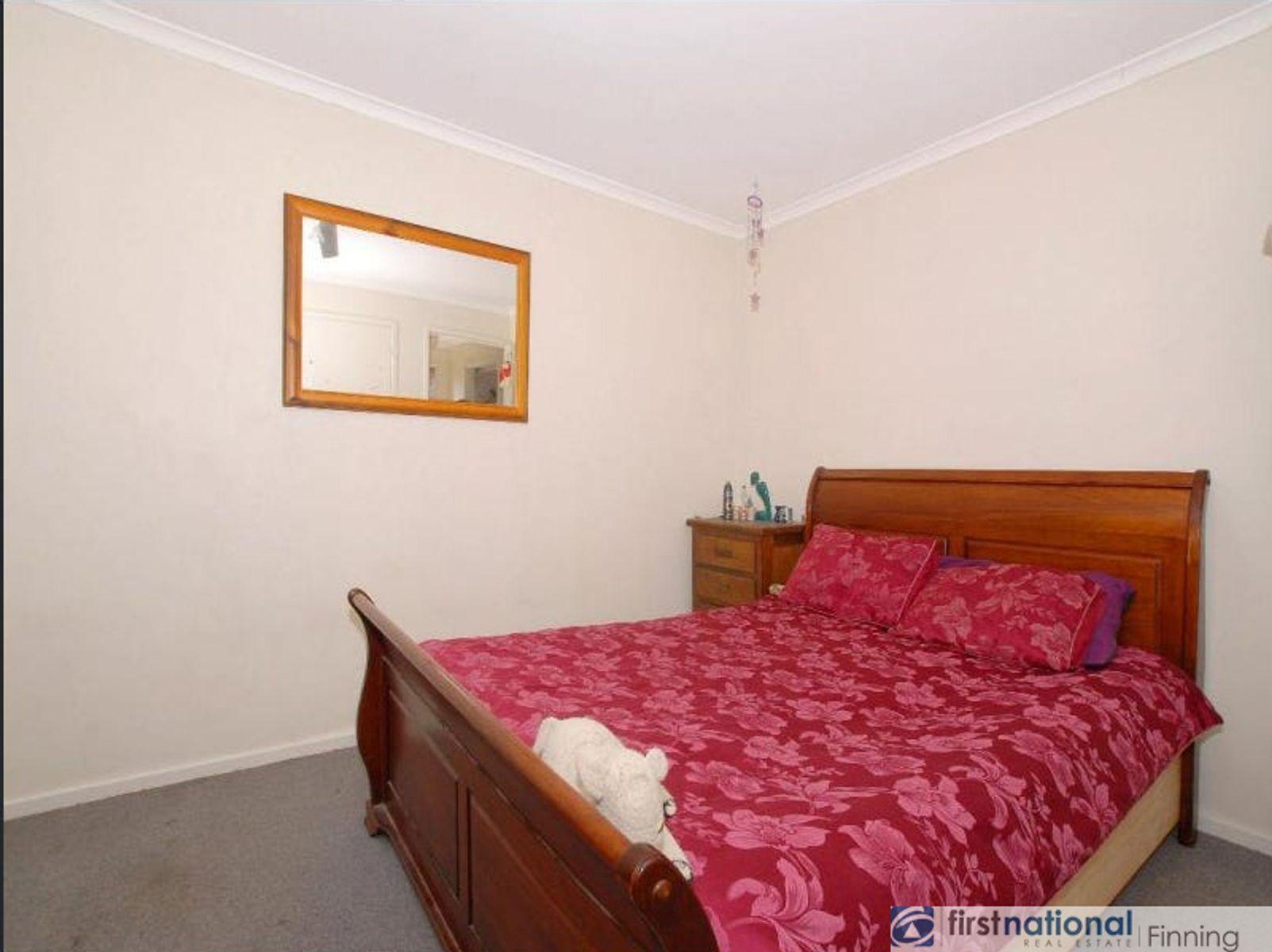 22 Gipps Crescent, Cranbourne North, VIC 3977