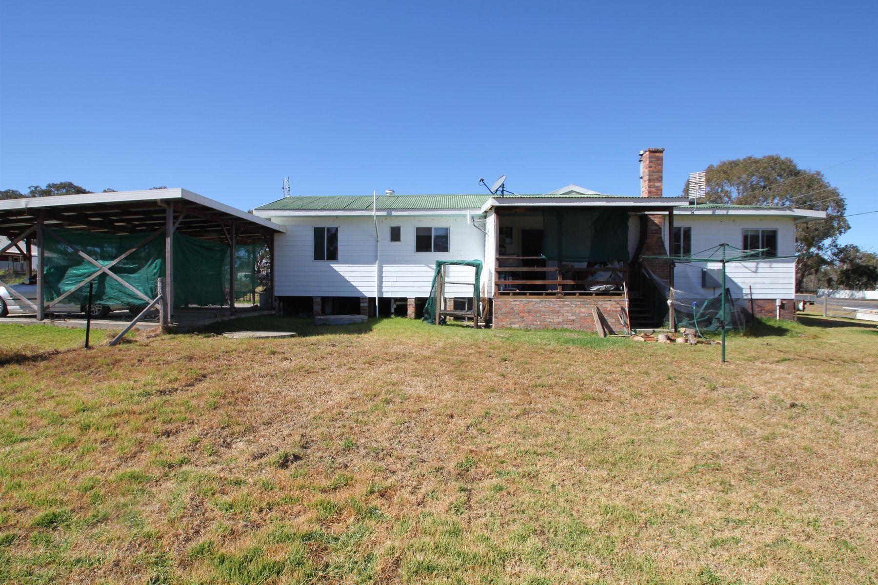 7 Manor Street, Jennings, NSW 4383