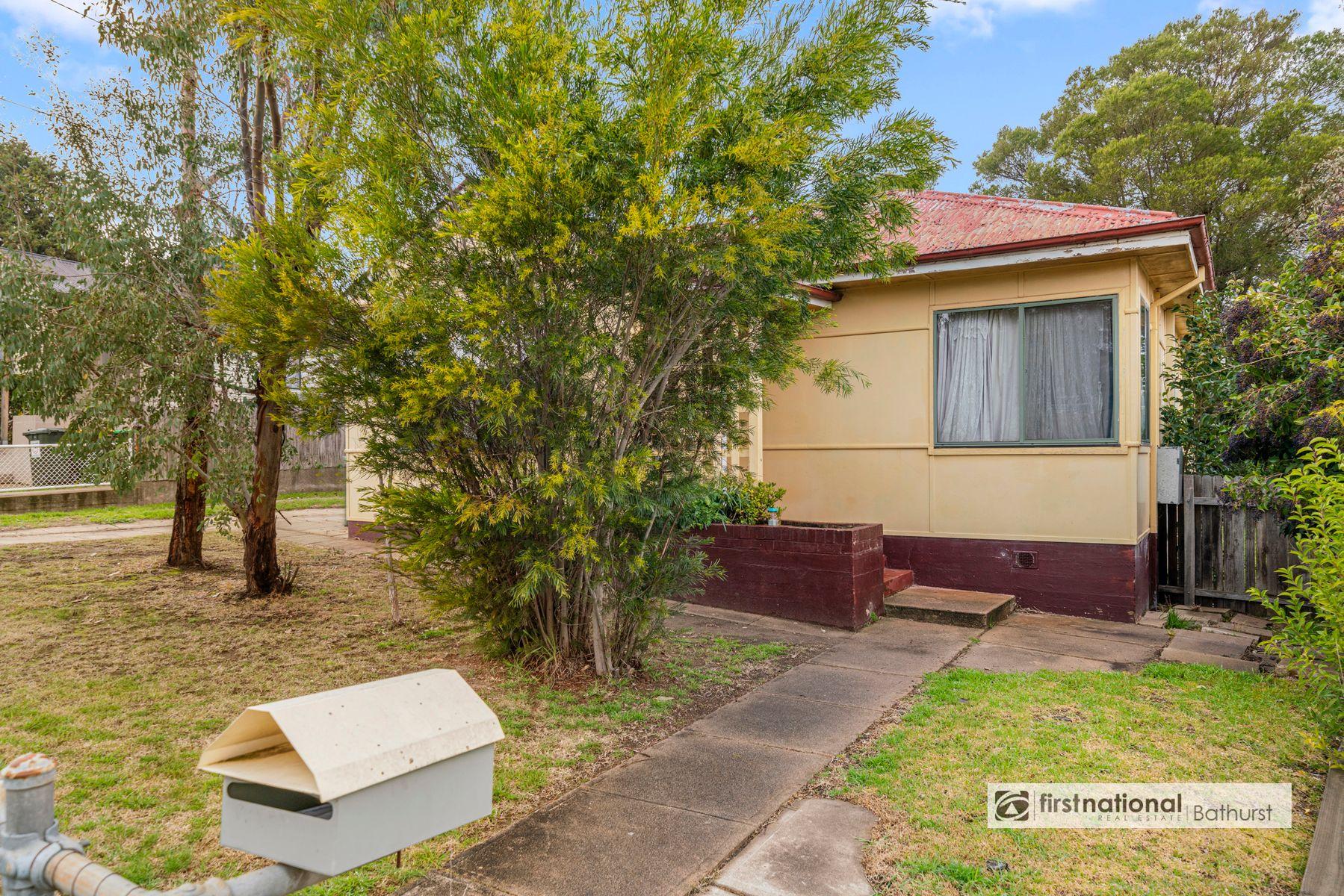 14 Tremain Avenue, West Bathurst, NSW 2795