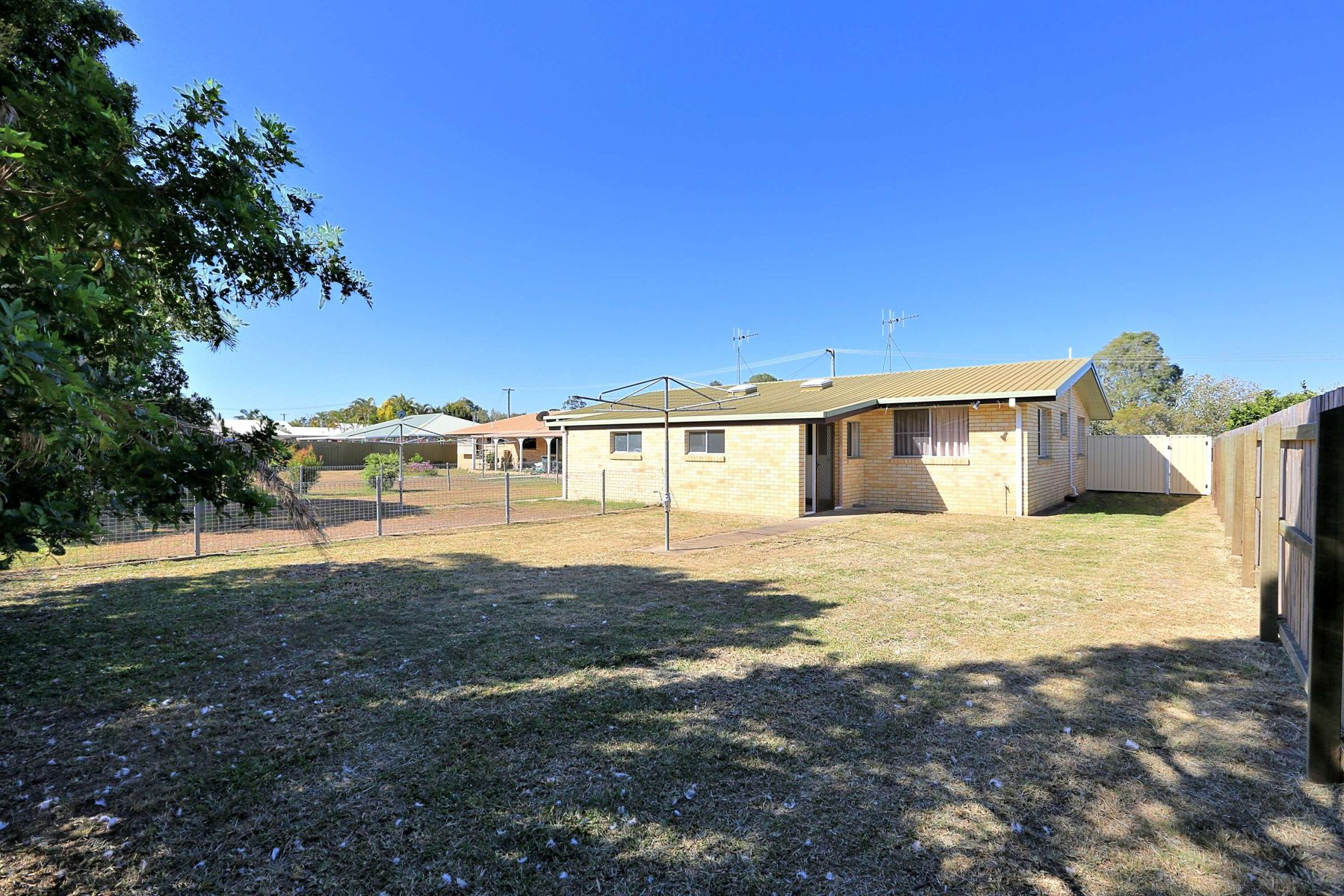 2/107 Queen Street, Bundaberg North, QLD 4670