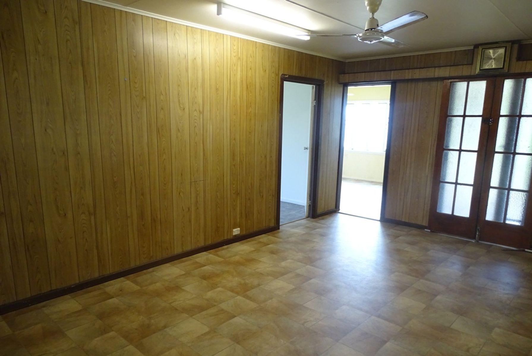 4 Oak Street, Goondi Bend, QLD 4860