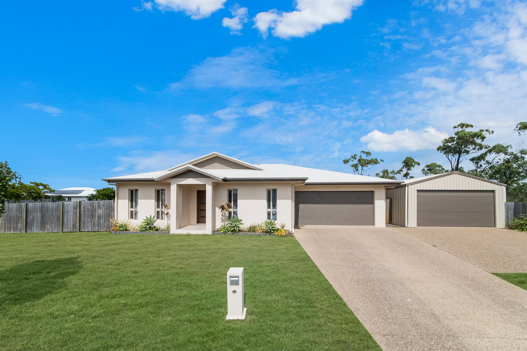 37 Pongamia Parade, Mount Low, QLD 4818