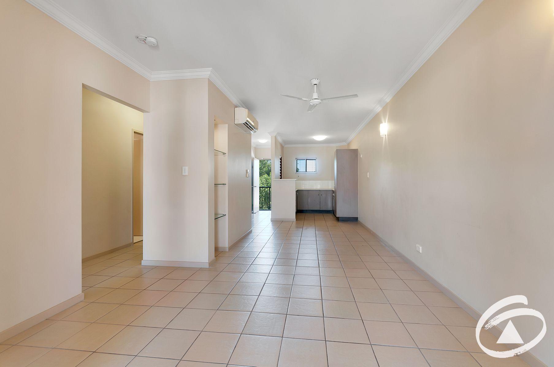 318/22 Ward Street, Mooroobool, QLD 4870