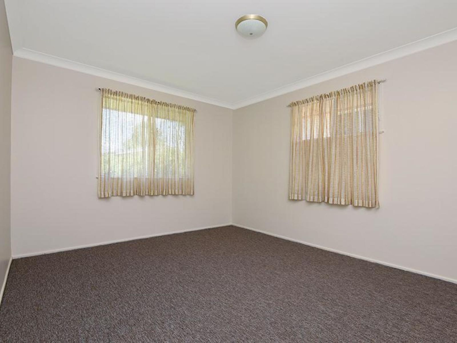 12 Wentworth Street, Centenary Heights, QLD 4350