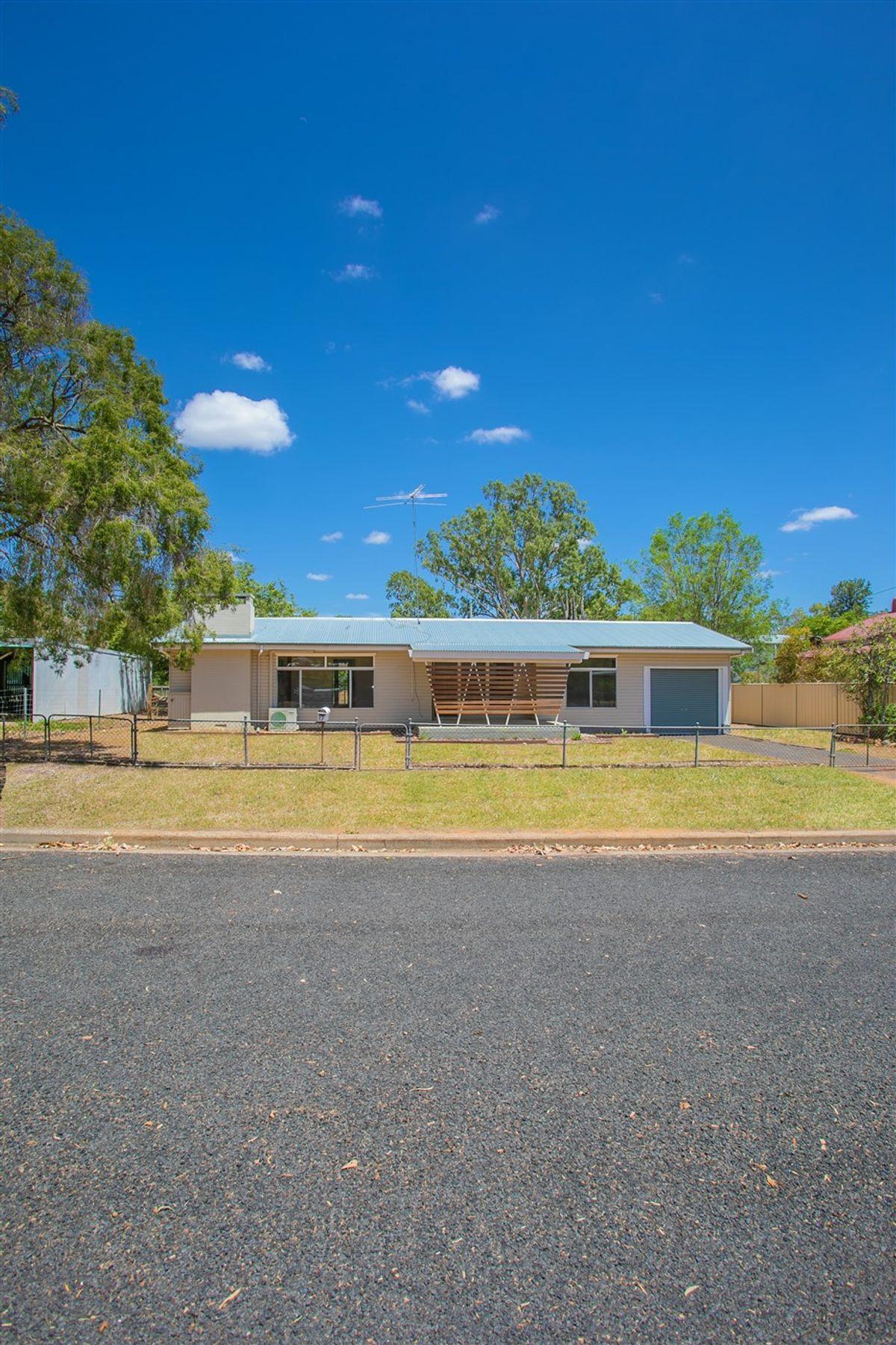 17 King Street, Chinchilla, QLD 4413